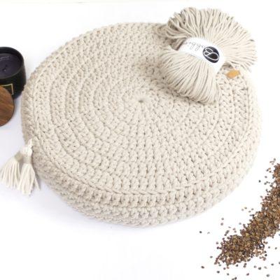 Poduszka ze sznurka bawełnianego. Ręcznie robiona.