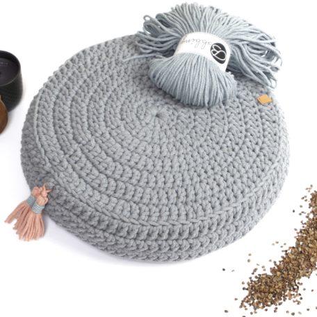 Poduszka do medytacji ręcznie robiona wypełniona łuską gryki.