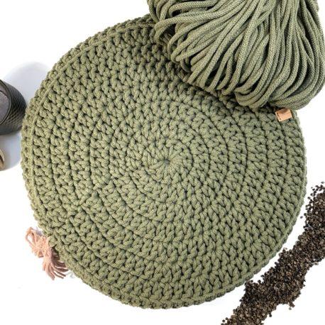 Poduszka inspirowana jogą. Kolor awokado.