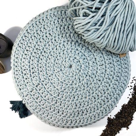 Poduszka inspirowana jogą. Kolor mgiełka.